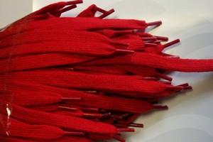 ВРЪЗКИ 110 см., ПЛОСКИ 12 мм. т.червено