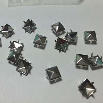 ШИПОВЕ 4 х 8 Silver-50 бр