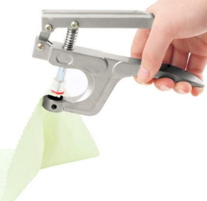 ИНСТРУМЕНТ за поставяне на пластмасови тик-так к-та КАМ