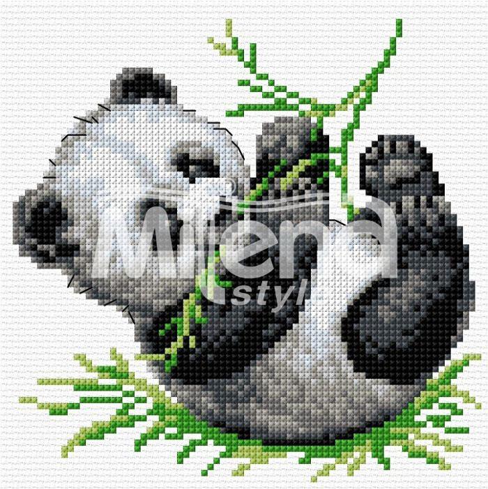 Игрива панда