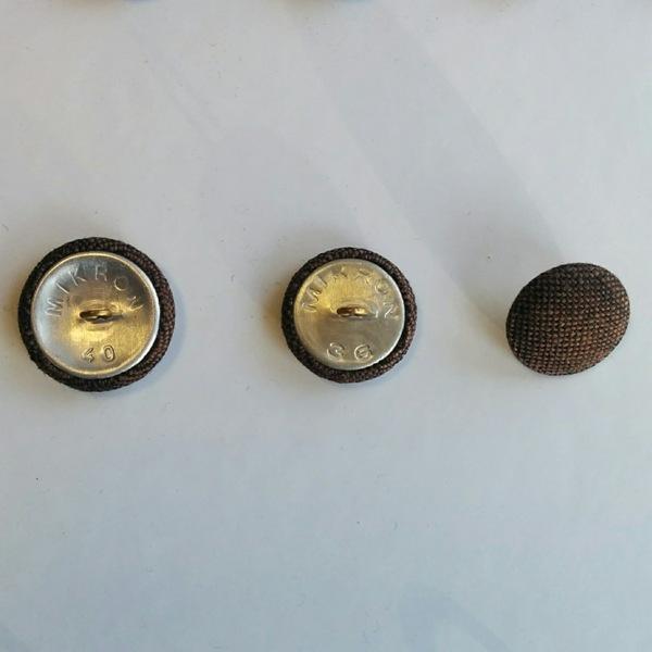 Обличане на копчета за мебели